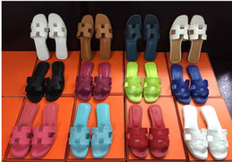Vente en gros Pantoufles nouvelles sandales françaises 2018 mode sandales confortables à fond plat