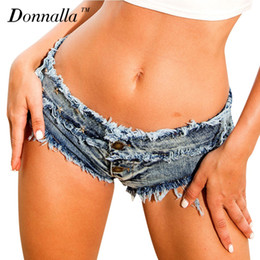 сексуальная девушка с низкой талией оптовых-Donnalla Women Clothing Spice Girl Sexy Club Beach Skinny Jeans Low Waist Tight Elastic Rivet Ripped Washed Denim Short Shorts