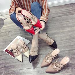 0754c1b3a 2018 novos rebites coreanos sandálias romanas bem apontados pequenos sapatos  de salto alto limpo