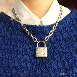 Vente en gros Gros-Grand Créateur de Mode Bijoux Or Bracelet Lien Chaînes Charmes Verrouiller Bracelet