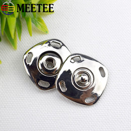49676f3bb2a Meetee Top Fashion Sale Alloy Buttons Scrapbooking High-grade Metal Snap  Button Square Coat Sweater Clothes Freeshipping D5-3. US ...