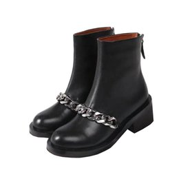 c043a690e 2018 new luxury designer shelves women s chain terms leather back zipper  Martin boots short boots Eu35-40 fast shipping
