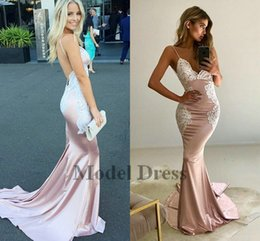 $enCountryForm.capitalKeyWord NZ - Sexy Backless Mermaid Evening Dresses Spaghetti Straps White Lace Appliques V Neck Women Party Gowns Pink Satin Elegant Dresses for prom