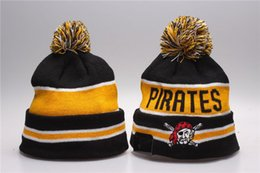 Chinese  One Piece Pittsburgh Knitted Beanies Good Quality Winter Warm Skull Hats Pirates Basball Fans Pom Embroidery Gold P Logo Cuff Beanie Cap manufacturers