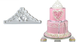 Cake Crowns online shopping - New Home Crown Set Plastic Fondant Cutter Cake Mold Biscuit Cookie Cupcake Decorating Tools Sugarcraft Cake Topper Bakeware