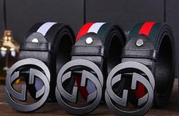 Nuevo oro redondo Metal círculo cinturón femenino oro plata negro blanco PU  cuero cinturones de cintura para mujeres pantalones vaqueros pantalones por  ... c8df546fdd92