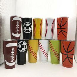 Ingrosso Bicchieri da Baseball Tumbler 20 oz 30 oz Softball Basket Calcio Calcio In Acciaio Inox Viaggio Coppe Auto Vuoto Isolati Birra Bambini Coppa OOA5885