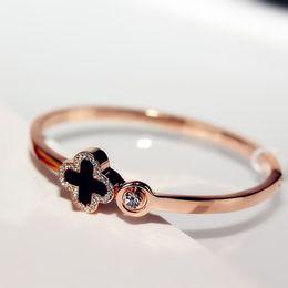 Vente en gros 2018 Nouveaux Bracelets De Mode Bracelets pour Femmes Ouvert Rose Charmes En Or Bracelet Femme Quatre Feuilles De Trèfle Cristal Bijoux Bracelets