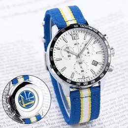 fc7664b5812 Projeto quente do relógio do esporte dos homens QUENTES para os fãs da  equipa de basquetebol todo o quartzo dos relógios 1853 do trabalho da  função data