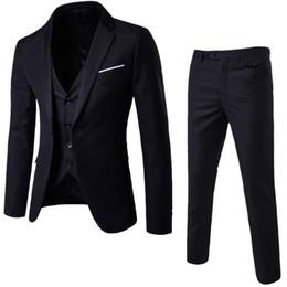 China 2018 New Fashion Designer Men Suit Groom Tuxedos Groomsmen Side Vent Slim Fit Best Man Suit Wedding Men's Suits Bridegroom supplier wedding royal suppliers