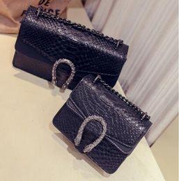 Новый дизайнер сумки змея кожа тиснением мода женщины сумка цепи Crossbody сумка Марка дизайнер Сумка мешок основной на Распродаже