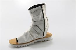 a16c3838551 KWOK Hebilla de cremallera Sandalias Hombre Botas de verano remache  tachonado Zapatos para hombre de cuero Sandalias de hombre ocasionales Botas  de punta ...