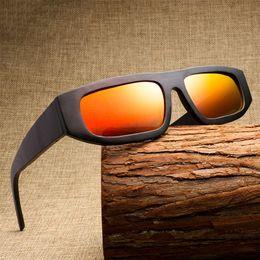 Gafas de madera de la vendimia de los hombres 2018 Nuevas gafas de sol de  los hombres gafas de sol polarizadas para las mujeres Marco negro Espejo de  la ... e542a7b53468