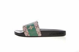 Mens Rubber Flip Flops Australia - 2018 latest styles fashion stripe and bee print rubber slides slippers mens womens causal beach flip flops size euro 35-45