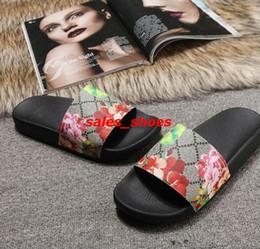 a916f63a0da taille 35-46 hommes femmes desige sandales avec fleur boîte de fleur sac à  poussière