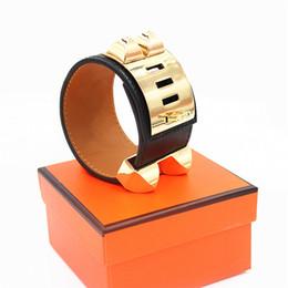 a30abb11b45c Pulseras punky de calidad superior ancha lisa pulseras de cuero genuino  brazaletes para mujeres hombres brazalete declaración joyería WX007