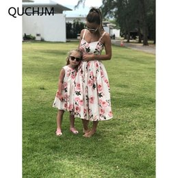$enCountryForm.capitalKeyWord NZ - 2018 New Hot Family Matching Mother And Daughter Clothes Sleeveless Floral Dress For Mommy Me Kids Girls baby Mom Daughter Dress
