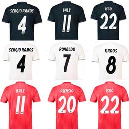 Camiseta de fútbol blanca local del Real Madrid 18 19 Camiseta de fútbol  del Real Madrid de visitante 2018 KROOS ISCO ASENSIO BALE tercer rojo  Uniforme de ... 00abc12383372