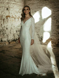White Fitted Wedding Dress Long Train NZ