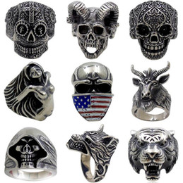 crazy rings 2019 - Mix Designs and Sizes Punk Men's Rings Crazy Low Prices Alloy Men's Rings Skull Ring Wholesale Free Shipping B-0895 disc
