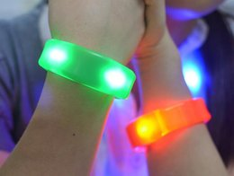 Discount music batteries - Music Activated Sound Control Led Flashing Bracelet Light Up Bangle Wristband Club Party Bar Cheer Luminous Hand Ring Gl