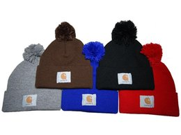 Chinese  New Fashion Winter warm Hip Hop Skullies Diamond Beanie Knitted Winter Hats for man women Bonnet sports Knit Warm Cap PP manufacturers