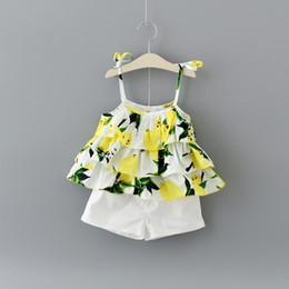 02e34765fdd44 Baby Girls Ruffle Lemon Print Braces Top Set con pantalones 2017 Summer Kids  Boutique Clothing Niñas Shorts Braces Dresses 2 PC Set