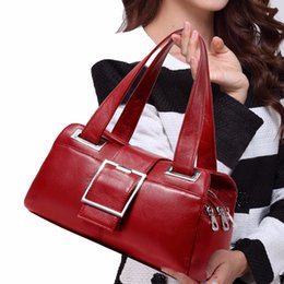 China 2018 new European style leather handbag fashion joker pillow bag middle-aged ladies shoulder bag suppliers