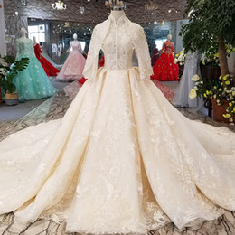 Muslim Shawl Sleeves Wedding Gown Women High Neck Lace Up Back Ball Gown  Wedding Dresses Long Train Bride Winter Wedding Party Dress ca753331d350