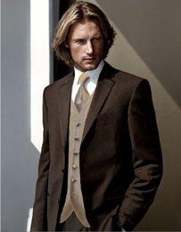 Smoking dello sposo di alta qualità Two Button Chocolate Brown Notch Bavero Groomsmen Best Man Suit Wedding Mens Suit (Jacket + Pants + Vest + Tie) J229