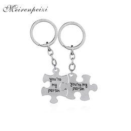 $enCountryForm.capitalKeyWord UK - Sherlock Holmes Keychains Classic Movie Keyrings Sherlock & Watson Jewelry Silver Rectangle Key Chain Car Key Holder for men