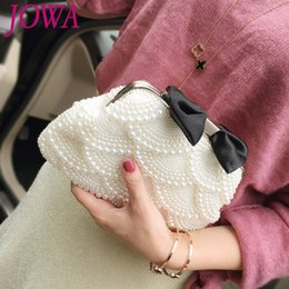 Wholesale 2017 New Design Women s Fashion Evening Bags Lady Bow Pearl Handbag Wedding Party Shiny Diamond Bride Clutches Night White Purse