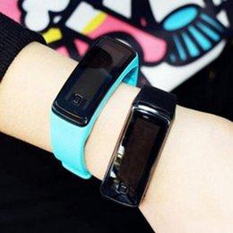2018 top atacado New Fashion Sport LED Relógios geléia de doces das mulheres dos homens de borracha de silicone tela de toque Digital relógios pulseira relógio de pulso