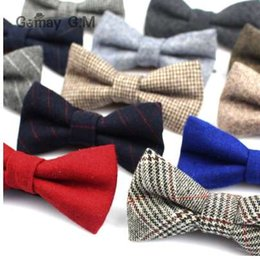 bowties style NZ - New Wool Bowties for Wedding Business Butterfly Solid Color Bow Tie For Men Woolen Cravat Unisex England Style Striped Bow Ties