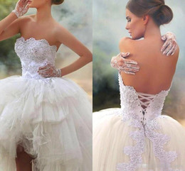 Wholesale strapless bandage wedding dress modern resale online – Fashion Modern High Low Bridal Party Dresses Ball Gown Strapless Applique Lace Tulle Tiers Garden Wedding Dress Bandage Back