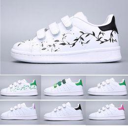 3ca5b72fa 2018 Adidas Stan Smith Superstar Niños Superstar zapatos Original Oro  blanco bebé niños Superstars Sneakers Originals Super Star niñas niños  Deportes Casual ...