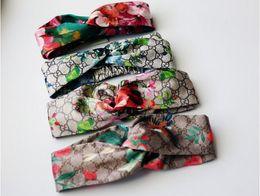 2018 Novo Designer de Luxo 100% de Seda Cruz Headband Mulheres Menina Elastic Hair bandas Retro Turbante Headwraps Presentes Flores Beija Flor Orquídea