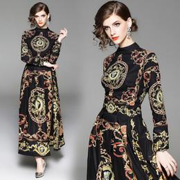 Ingrosso Abito d'autunno con abiti europei neri a maniche lunghe con stampa vintage palazzo barocco vintage per una cena di fidanzamento elegante
