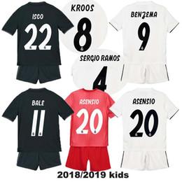 b6451637cacb4 18 19 niños real madrid Inicio camiseta blanca de fútbol ASENSIO BALE LUCAS  V MORATA JAMES RAMOS ISCO MODRIC lejos negro niño camiseta de fútbol 2018