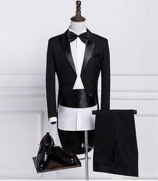 Vente en gros Costume classique de la mode des hommes nouveaux costume trois pièces (manteau + pantalon + ceinture) robe de mariée smoking smoking robe de marié garçon