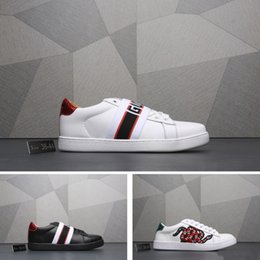 Design canvas shoes online shopping - Best selling traditional brand luxury casual shoes embroidered letters cosmos bees wolf heads mens shoes womens design shoes