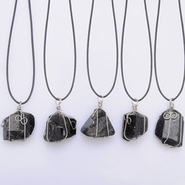 $enCountryForm.capitalKeyWord NZ - great Black Tourmaline Pendant Necklace Raw Stone Schorl Leather Necklace Chakra Healing Crystal Quartz Point Pendant Natural Stone Necklace