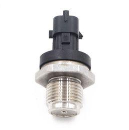 Venta al por mayor de 0281006425 Coche de combustible Diesel Sensor Sensor de presión de cigüeñal Detector de traductor de unidad de cigüeñal para B 0Sch 0281002734 Piezas de automóvil de alta calidad
