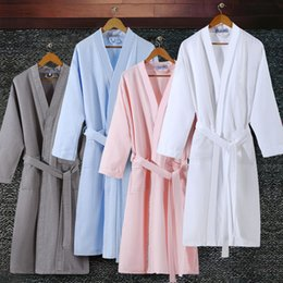 Robe Mans NZ - On Sale Lovers Summer Suck Water Kimono Bath Robe Men Plus Size Sexy Waffle Bathrobe Mens Dressing Gown Male Lounge Robes C18110901