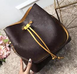 Discount purse tassel strings - Fashion genuine leather bucket bag women famous brands designer Drawstring handbags flower printing crossbody purse