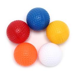 Venta al por mayor de 20pcs Golf bolas de la práctica de deportes al aire libre Campo de plástico hueco interior de la práctica de la bola de Formación
