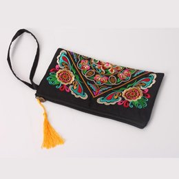 $enCountryForm.capitalKeyWord Canada - National Style Purse Embroidery Flower Bag Clutch Fashion Features Embroidery Fringe Zipper Ladies Bag Cotton Cloth