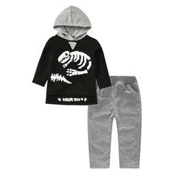 2018 новая весна осень мальчики костюм детский свитер динозавр скелет шаблон с капюшоном с длинным рукавом из двух частей досуг повседневная Детская одежда наборы