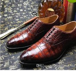 024ea3dce7f 2018 the spring and autumn period and the new head layer cowhide crocodile  han edition feature modelling division business men s fashion men