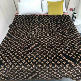 Europa y América de alta calidad manta de moda engrosamiento cómoda manta doble simple impresión letras cálida manta linda